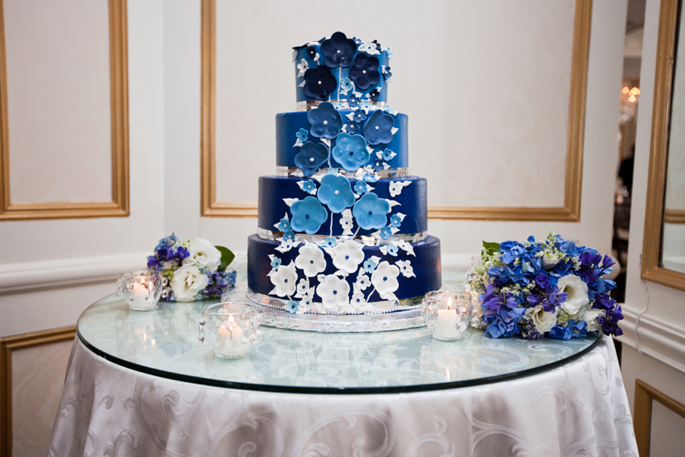 waters edge wedding cake