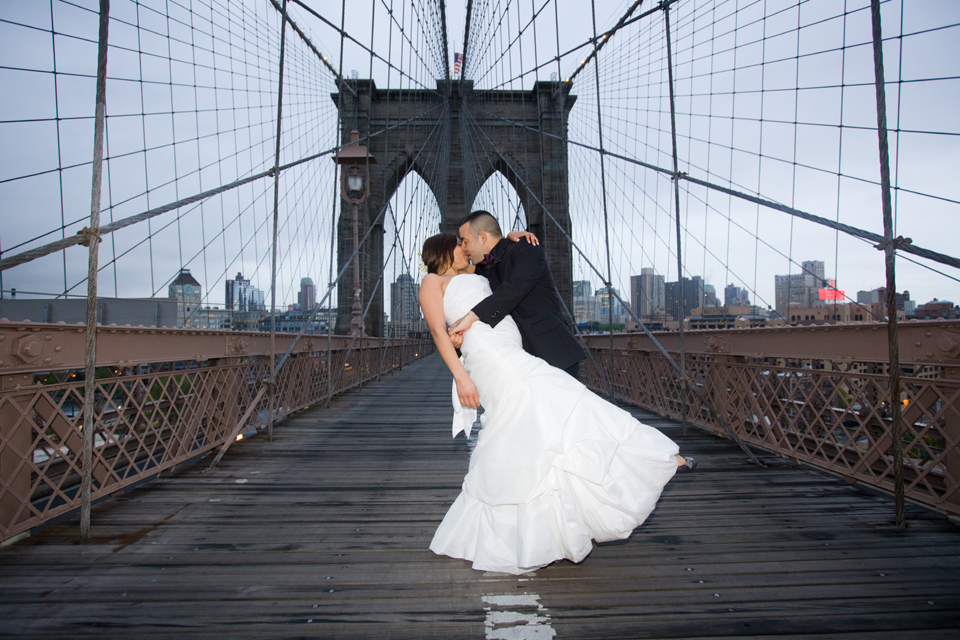 brooklyn bridge night wedding ceremony ny