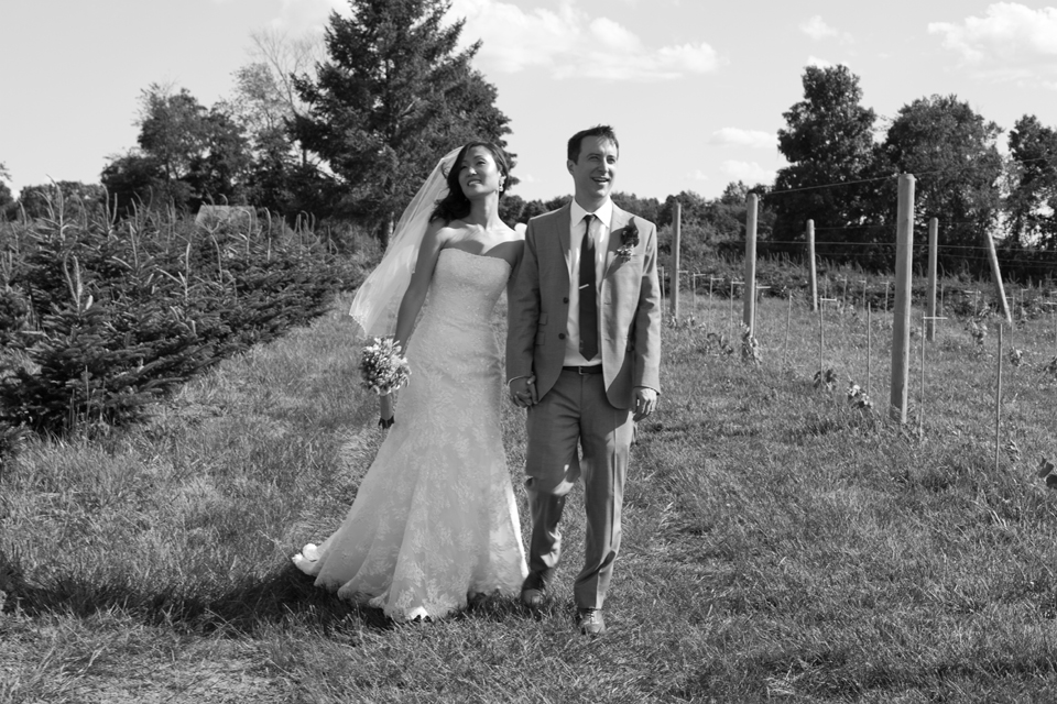 Wikens Fruit Fir Farm wedding pictures