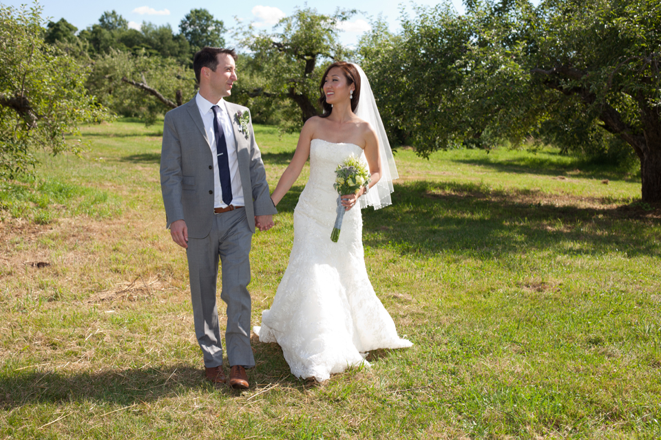 Wikens Fruit Fir Farm wedding photos