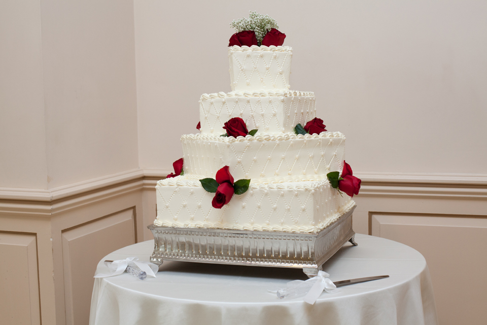 Wedding Cake - GREENTREE COUNTRY CLUB WEDDING CINEMA – NEW ROCHELLE WEDDING PHOTOGRAPHY AND VIDEOGRAPHY by New York Wedding Photographer